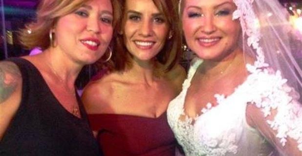 Photo of Paris'te nikah Türkiye'de düğün! İşte ünlü ismin düğününden detaylar!..