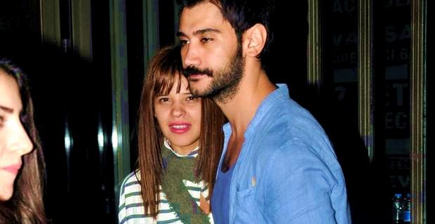 Photo of Gittiği mekanda güzel oyuncu Selen Seyven'in telaşlı halleri!..