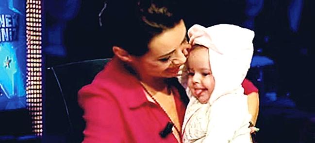 Photo of 4.5 aylık hamile olan Özgü Namal bebek sürprizi yaşadı!..