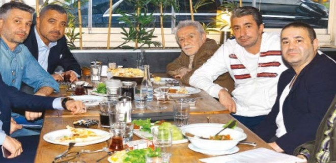 Photo of ÜNLÜ İSİMLER, ŞAFAK SEZER'İN 'KOLPAÇİNO'SUNDA BULUŞUYOR!