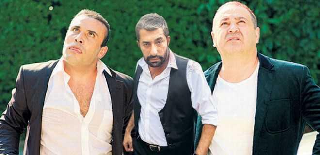Photo of KOLPAÇİNO 3'DE ERKAN PETEKKAYA 'MAFYA BABASI'YLA ŞAŞIRTACAK