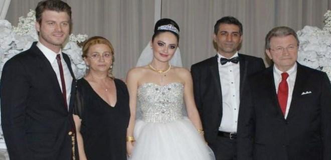 Photo of YOLLAR AYRILDI! CEM TATLITUĞ – BURCU ÖZSOY ÇİFTİ BOŞANDI!