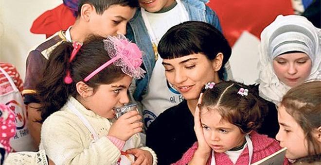 Photo of TUBA BÜYÜKÜSTÜN KİLİS'TE ÇOCUKLARLA BİR ARAYA GELDİ!