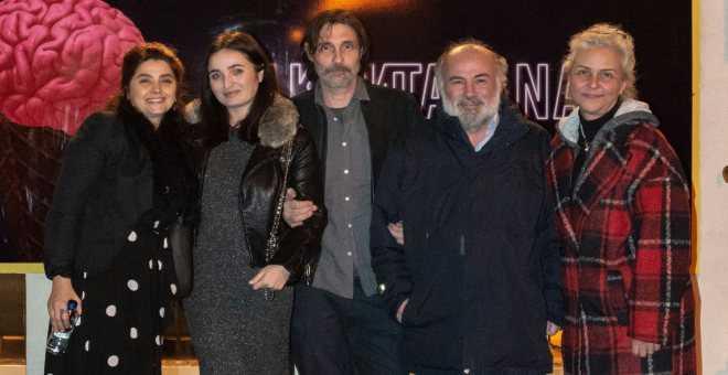 Photo of Erdal Beşikçioğlu'nun yeni tiyatro oyunu: Takan Takana!