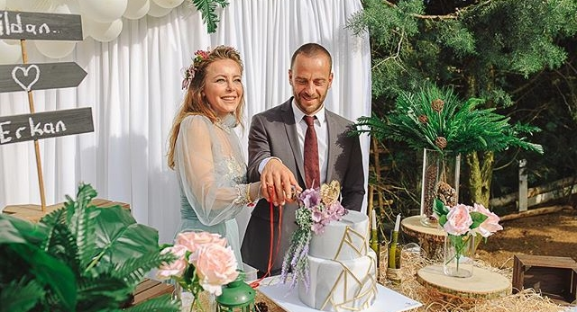 Photo of Vildan Atasever yüzüğü taktı!