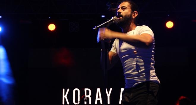 Photo of Koray Avcı: Sokak müzisyenleri dilenci değildir!