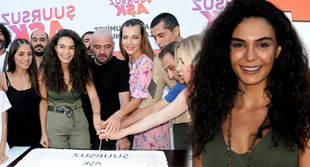 Photo of Ebru Şahin ve 'Şuursuz Aşk' ekibinden büyük kutlama!