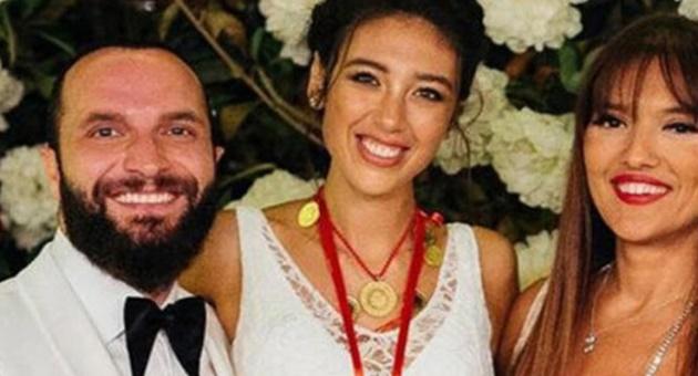 Photo of Demet Akalın-Berkay kavgası alevlendi!