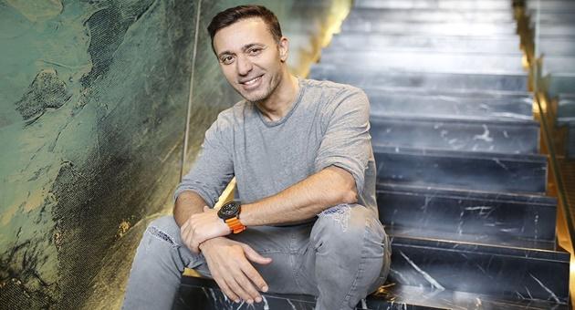 Photo of Mustafa Sandal'ın kitabı 2 haftada 10 bin sattı!