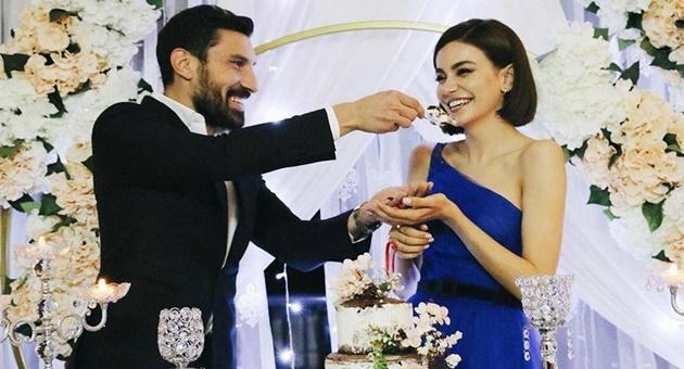 Photo of Şilan Makal ve Şener Özbayraklı'dan sessiz sedasız nişan!