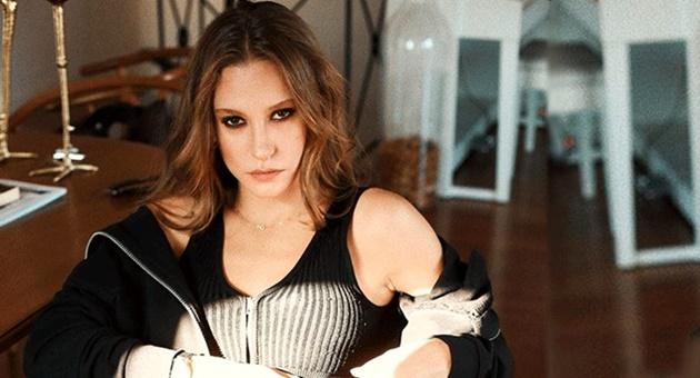 Photo of Serenay Sarıkaya o durum karşısında pes etmedi!