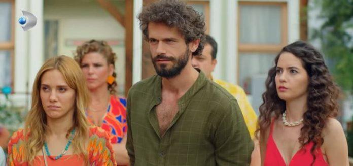 Çatı Katı Aşk dizi hayranları Kanal D'ye kızgın!