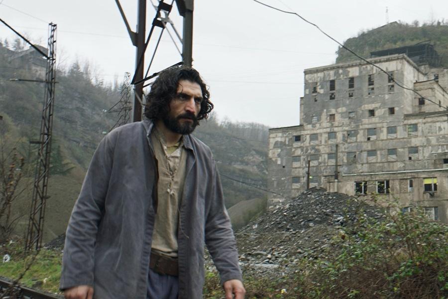 Erdem Tepegöz'ün Yeni Filmi Gölgeler İçinde, 42. Moskova Uluslararası Film Festivali'nin Ana Yarışma Bölümünde Yer Alacak