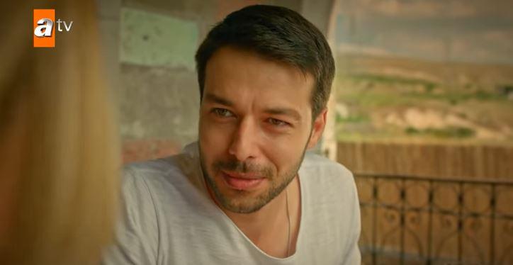 Hilmi Cem İntepe'ye hayranlarından Maria ile Mustafa desteği!