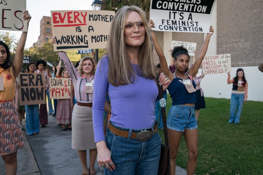 Julianne Moore ve Alicia Vikander'ın Gloria Steinem'a Hayat Verdiği The Glorias Filminden Fragman Yayınlandı