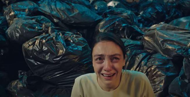 Masumlar Apartmanı dizisinde Merve Dizdar Gülben'i yaşıyor, yürekleri sızlatıyor!