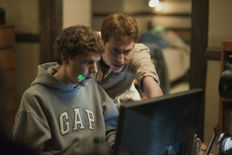 Aaron Sorkin, The Social Network'e Bir Devam Filmi Yazabileceğini Açıkladı