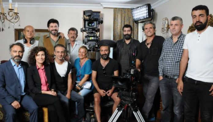 Ahmet Kaya'nın hayatının anlatıldığı İki Gözüm Ahmet, Avrupa'da vizyonda