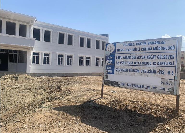 Ebru Yaşar, Bismil'e okul yaptırdı