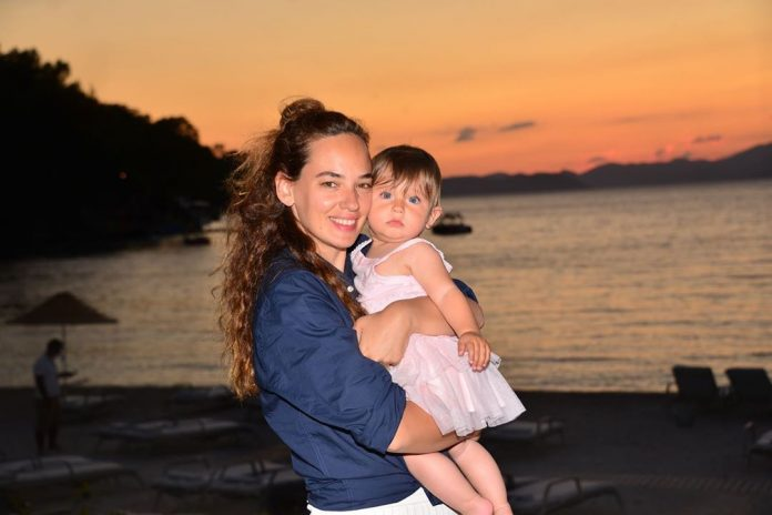 Bu nasıl tatlı bir bebek… Seda Bakan'ın minik kızı görenlere 'Maşallah' dedirtti