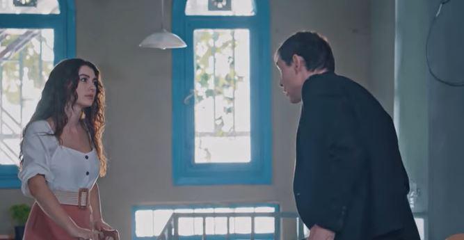 Burcu Özberk, Çocukluk dizisinde çok zor bir rolün üstesinden geliyor!