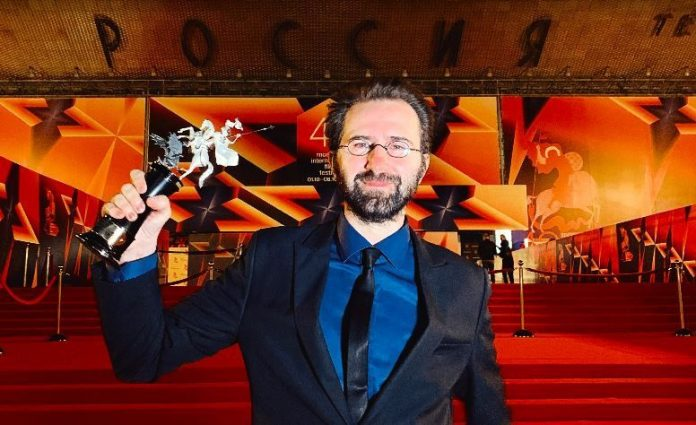 Erdem Tepegöz'ün Gölgeler İçinde filmine Moskova'da özel ödül!