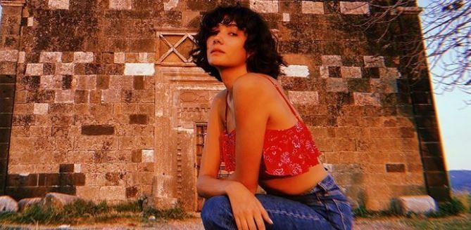 Melisa Şenolsun'un Mardin tarzı! Aybüke Pusat'ın tatil rahatlığı!