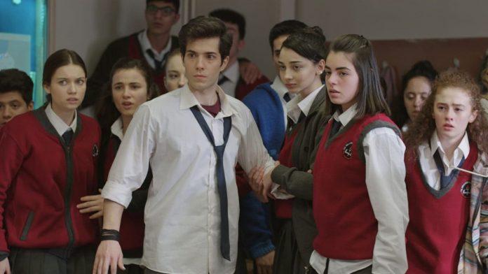 Öğretmen dizisinde İlker Kaleli tamam da, bir eksiklik gün yüzüne çıktı!