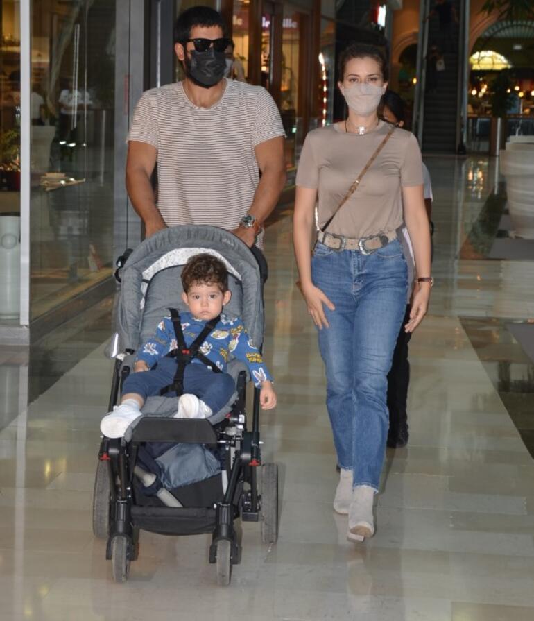 Özçivit Ailesi alışverişte