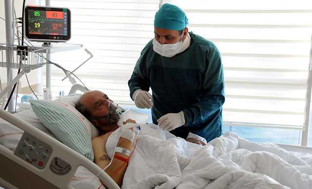 Pandemi ile mücadele eden doktorun en zor görevi