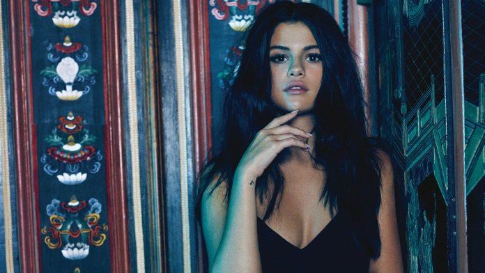 Selena Gomez, Dollhouse filminin başrolü olacak