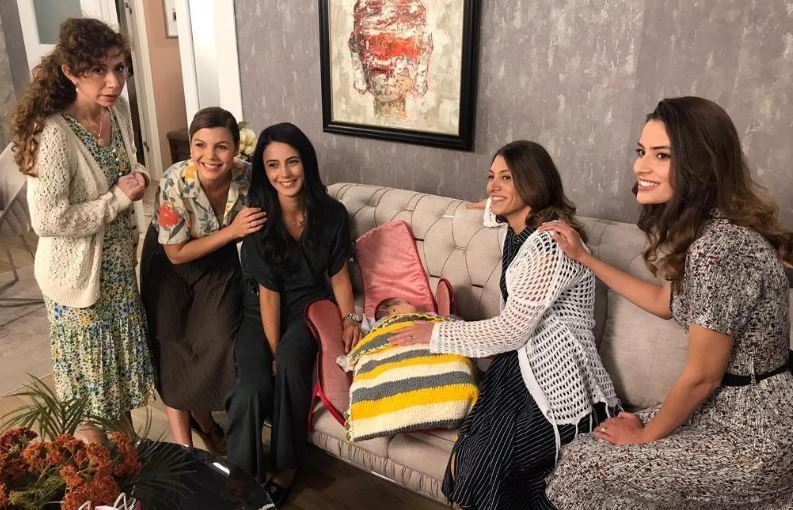 TRT1'in günlük dizisi Acemi Anneler farklı bir deneyim yaşatacak!