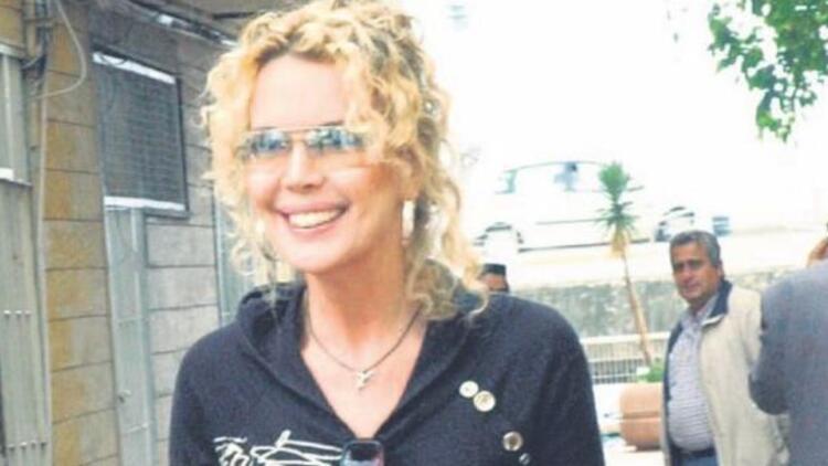 Ünlü şarkıcı Harika Avcı'nın 1 milyon 568 bin lirası çalındı!