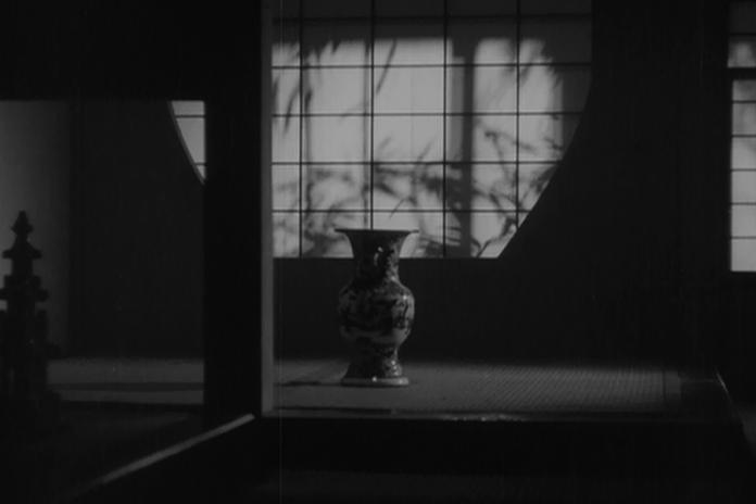 Yasujirô Ozu Neden Vazoya Kesme Yapıyor?