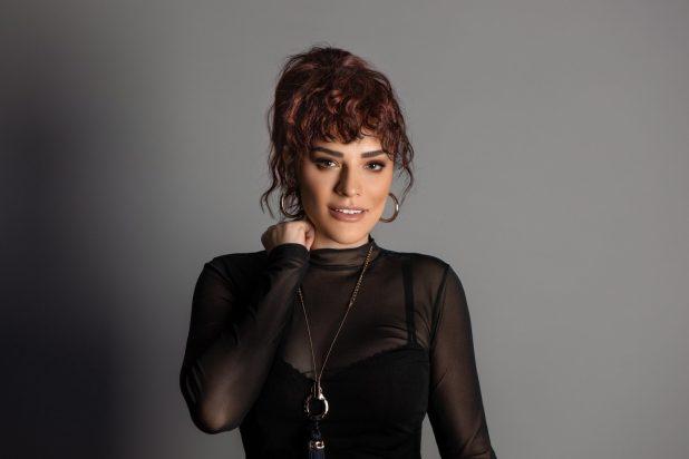 Reyhan Karaca Bi Zahmet