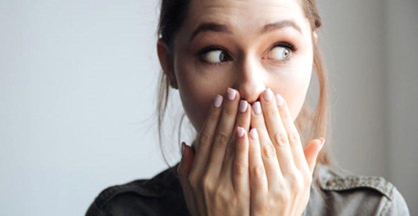 Ağız Kokusu Nedir? Ağız Kokusunun Sebepleri ve Tedavi Yolları