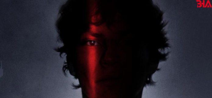 Netflix, ürpertici yeni belgesel dizisi Night Stalker: Bir Seri Katili Yakalamak'ın resmi fragmanı ile afişini paylaştı